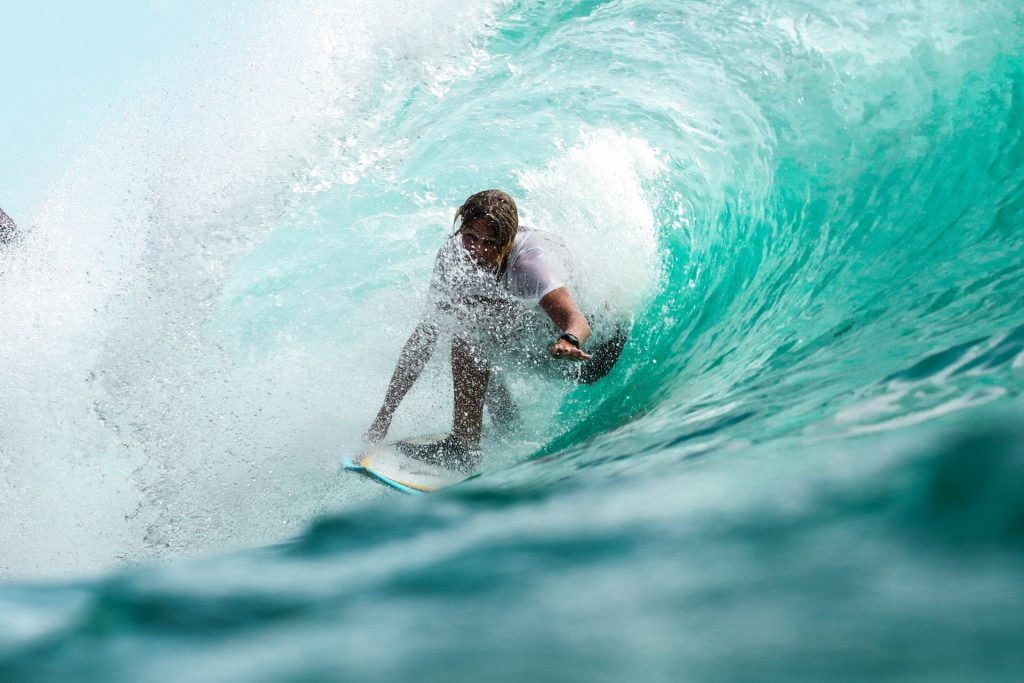 kovalam surfing